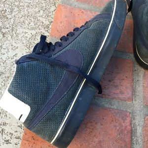 Nike sb size 10 used perforated suede